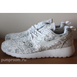 Белые женские кроссовки Nike Women's Roshe Run Tree Leaf Pack Limited