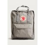 Серый тканевый рюкзак Fjallraven Kanken Classic Fog Premium