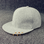 Светло-серая бейсболка с кольцами Snapback Light Gray Gold Rings 2018