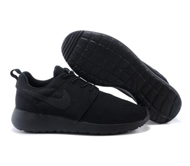 чёрные кроссовки найк фото