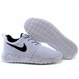 Белые женские кроссовки Nike Women's Roshe Run White Dots ID