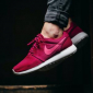 Бордовые женские кроссовки Nike Wmns Roshe One Dark Fireberry pink pow white 511882-661