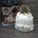 Белая зимняя шапка с помпоном и стразами White Beanie Crystals
