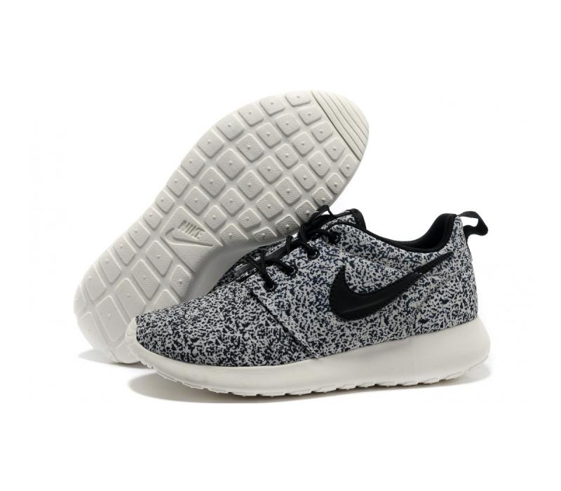 180cbcc7 -50% Белые женские кроссовки Nike Women's Roshe Run Floral Pack Black Sail