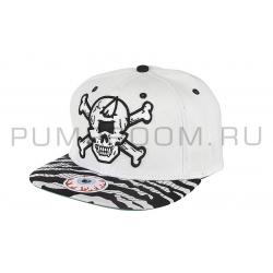 Белая бейсболка с черепом Mishka Skull White Snapback