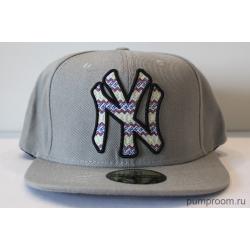 Серая бейсболка с прямым козырьком New York NY Snapback Gray Aztec
