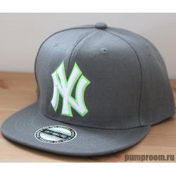 Серая бейсболка с прямым козырьком New York Snapback NY Gray