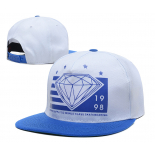 Бело-синяя бейсболка с прямым козырьком Diamond supply Co Snapback White Blue logo