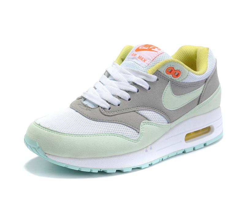 f32bac4f Мятно-бирюзовые женские кроссовки Nike Air Max 87 - купить ...