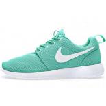 Мятные женские кроссовки Nike Roshe Run Moon White