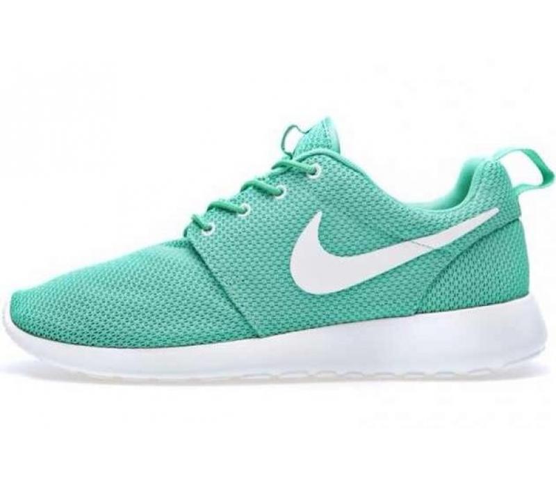 0489df16 Купить мужские и женские кроссовки Nike Roshe Run в Московском ...